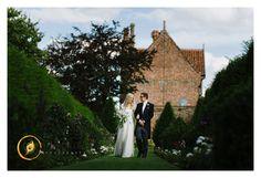 Hales_Hall_Barn_Wedding_Photography-042