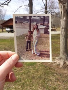 This creative photo series represents a heartwarming collection of treasured times, poignantly and humorously captioned by people from all over the world. Dear Photograph, Still Miss You, A Level Photography, Love Your Family, Polaroid Photos, Passion Project, Photo Series, Family Memories, Creative Photos