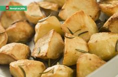 Potatoes offer a wide range of health benefits. They have the special ability to improve your digestion and cholesterol . Vegan Gluten Free, Vegan Vegetarian, Perfect Roast Potatoes, Roasted Potato Recipes, Roasting Tins, Bite Size, Snack Recipes, Food And Drink, Stuffed Peppers