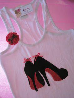 Qué camisetas más monas de tacones hace Carmen, de Only One...
