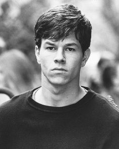 Marky Mark why do you have to be so crazy? Ok, i love Mark Wahlberg period, especially in Fear