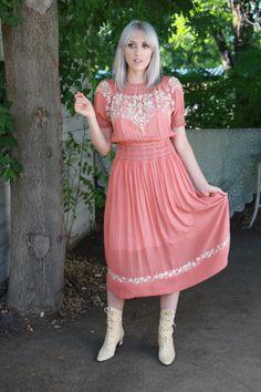 Vintage 1920s Dress / 1920s Peasant Dress / Vintage Hungarian Dress / Rare