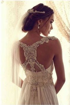 beautiful anna campbell dress with stunning back detail
