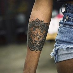 Bohemian lioness tattoo, just the geometrical part, on my thigh