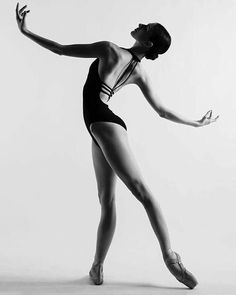 Lines - Isabelle Di Caterina - Photo Dance Picture Poses, Dance Photo Shoot, Dance Pictures, Dance Pics, Human Poses Reference, Pose Reference Photo, Dance Aesthetic, Nature Aesthetic, Dance Photography Poses