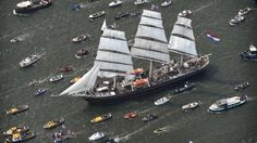 Honderdduizenden mensen zien botenparade Sail Amsterdam   NU - Het laatste nieuws het eerst op NU.nl