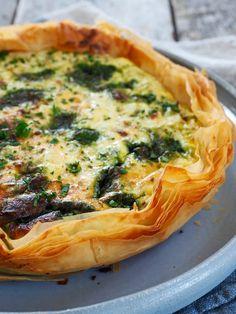 Enkel pai med purre og pesto Vegetable Pizza, Quiche, Food And Drink, Vegetables, Breakfast, Recipes, Pai, Vegans, Blogging