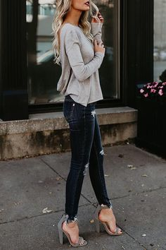 32 Chic Autumn Outfit Ideas That Will Catch Your Eyes! 32 Chic Autumn Outfit Ideas That Will Catch Your Eyes! Summer Work Outfits, Spring Outfits, Clubbing Outfits, Outfits For Mom, Womens Jeans Outfits, Casual Date Night Outfit Summer, Sexy Winter Outfits, Biker Outfits, Buckle Outfits