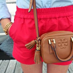 I own several pairs of shorts like this in various colors and would love some neutral tops to go with them. Printed tops in neutral colors would be great!