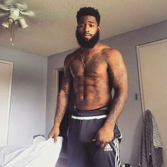Stop What You're Doing And Look At These Gorgeous Bearded Men Source by brandonllane Beauty Black Man, Hot Black Guys, Fine Black Men, Gorgeous Black Men, Handsome Black Men, Black Boys, Fine Men, Beautiful Men, Bad Beards