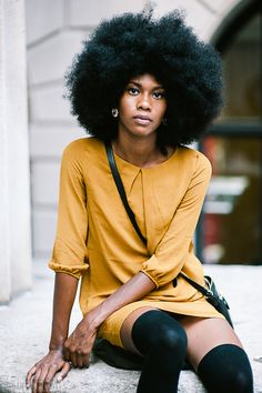 """urbanfieldnotes: """" Outside G-Star Raw, Wall Street, New York Photo by Brent Luvaas (www.) """" urbanfieldnotes: """" Outside G-Star Raw, Wall Street, Pelo Natural, Natural Hair Tips, Natural Hair Journey, Natural Hair Styles, My Hairstyle, Afro Hairstyles, Hair Updo, Black Hairstyles, Wedding Hairstyles"""