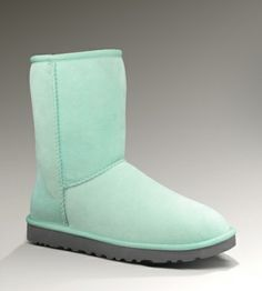 One of the largest & cheapest Ugg Boots collection! (Women's classic short-Baby Blue)