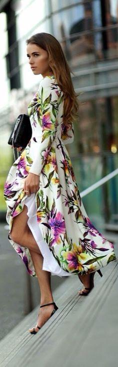 vestido floreado largo con mangas