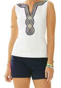 Lilly Pulitzer Janice Sleeveless Top in Resort White Get Chic Fashionable Women's Tops(patterns for women's tops Preppy Style, My Style, Couture Tops, African Print Fashion, Simple Dresses, I Dress, Blouse Designs, Spring Summer Fashion, Divas