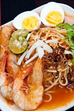 Mee Udang (Malay Prawn Noodle) | Easy Asian Recipes at RasaMalaysia.com