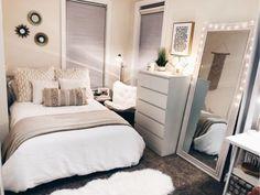 DIY home decor - Bedroom inspiration - Decoração Ideias Apartment Bedroom Decor, Diy Home Decor Bedroom, Small Room Bedroom, Small Rooms, Bedroom Furniture, Bed Room, Bedroom Colors, Master Bedroom, Cool Rooms