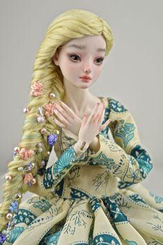 Blonde art doll bjd