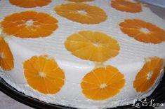 Va propun un tort foarte frumos si elegant - de gustos ce sa mai zic, vedeti ca nu ai cum sa dai gres cu combinatiile - inspirat si tot planificat dintr-un site culinar cu vechime. Mi-a placut mult modul de asamblare, in schimb am simplificat crema si am folosit pandispanul meu preferat. As recomanda in plus la reteta de mai jos, sa adaugati niste portocale si in mijlocul tortului - si daca va place pandispan mai umed, sa-l insiropati cu putin suc de portocale. Orange, Fruit, Cardio, Cakes, Food, Cake Makers, Kuchen, Essen, Cake