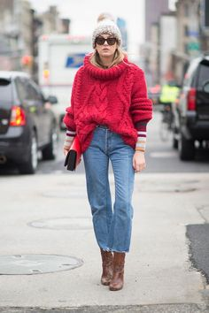 31 Winter Outfit Ideas - Your Daily #OOTD Inspiration for This Winter: Red White and Blue Winter Outfit