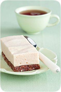 Без сахара и в виде пирожных, без выпечки, без масла и т. д. почти полезные;)