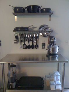 New Kitchen Organization Ideas Ikea Stainless Steel Ideas Bakery Kitchen, Home Bakery, Studio Kitchen, New Kitchen, Bakery Decor, Bakery Design, Deco Restaurant, Restaurant Kitchen, Kitchen Colour Schemes