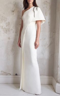 Get inspired and discover Safiyaa trunkshow! Shop the latest Safiyaa collection at Moda Operandi. Wedding Dress Trends, Gorgeous Wedding Dress, Wedding Dresses, Super Moda, Full Gown, Types Of Gowns, Traditional Gowns, Bridal Skirts, Bride Gowns