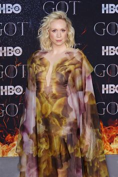 "Gwendoline Christie WERQs That Iris Van Herpen Couture at the ""Game of Thrones"" Season 8 Premiere Lady Brienne, Hbo Got, Iris Van Herpen, Dior Couture, Elle Fanning, Season 8, Red Carpet Looks, Beauty Bar, Couture Collection"
