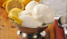 Italian Recipes Traditional Italian Lemon Gelato (Gelato al Limone) Ice Cream Desserts, Frozen Desserts, Ice Cream Recipes, Frozen Treats, Lemon Gelato Recipes, Italian Gelato Recipe, Italian Lemon Ice Recipe, Gelato Flavors, Italian Desserts