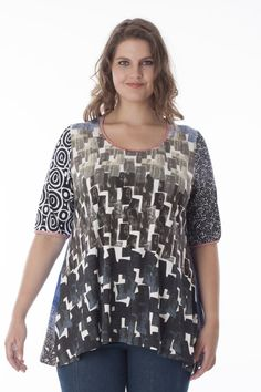 Mix&match prints in this supple A-line jersey shirt with short sleeves