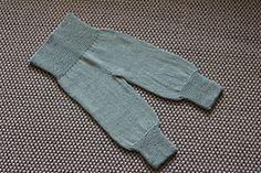 Ravelry: Ze tiny pants pattern by Unnur Margrét