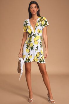 The Lulus A La Tart White and Yellow Lemon Print Wrap Dress is all you need to serve up a sweet and sassy look! Cute dress with a wrap skirt and lemon print. Casual Dress Outfits, Summer Dress Outfits, Casual Dresses For Women, Cute Dresses, Wrap Dresses, Fashion Outfits, Fashion Trends, Cute White Dress, Little White Dresses
