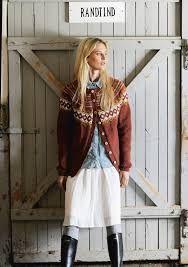 """Ravelry: Nr 4 """"Høstløv"""" damekofte pattern by Sandnes Design Ikon, Ravelry, Knitting Patterns, Jackets, Design, Style, Fashion, Damask, Scale Model"""