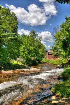 These 18 Jaw Dropping Places in Vermont Will Blow You Away- East Arlington River