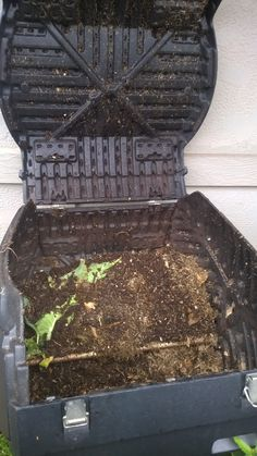 Compost bin at MaukaPonics site