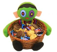 Academyus Halloween Candy Holder Pumpkin Ghost Doll Bamboo Basket Party Decoration Bowl size Zombie -- Find out more about the great product at the image link. (This is an affiliate link) Halloween Candy, Scary Halloween, Zombie Birthday Parties, Zombie Gifts, Plant Zombie, Best Zombie, Bamboo Basket, Presents For Him, Gift Suggestions