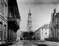 View of Church Street in Charleston after the Great Earthquake of 1886 showing the Dock Street Theatre, St. Philip's Episcopal Church, and The French Protestant (or Huguenot) Church. Historic Charleston Sc, Charleston Style, Charleston South Carolina, Old Pictures, Old Photos, Episcopal Church, Best Cities, Historical Photos, Current Events