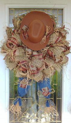 Country wreath Owl Wreaths, Deco Wreaths, Wreaths For Front Door, Holiday Wreaths, Autumn Wreaths, Burlap Wreaths, Mesh Wreath Tutorial, Diy Wreath, Wreath Crafts