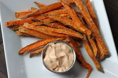 These healthy vegan and gluten free Crispy Baked Sweet Potato Fries are easy to make and are the perfect side dish. Sweet Potato Fry Dip, Sweet Potato Chips, Vegetarian Cooking, Vegetarian Recipes, Healthy Recipes, Delicious Recipes, Keto Recipes, Yummy Food