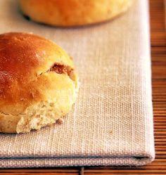 Tanta salute: panini integrali ripieni di fichi e mandorle. Ideali per la colazione o per la merenda, dolci in modo naturale, senza zuccheri aggiunti.