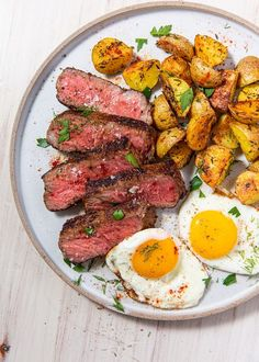 Our Best-Ever Steak & Eggs Will Cure Even The Worst Hangover Steak Breakfast, Low Carb Breakfast, Free Breakfast, Breakfast Recipes, Breakfast Ideas, Second Breakfast, Breakfast Dishes, Steak Dinner Recipes, Steak Recipes