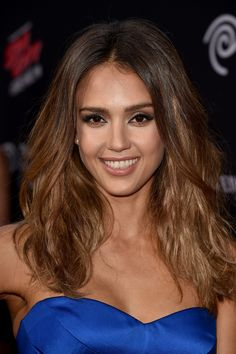 Get an easy textured look like this hairstyle on Jessica Alba with a quick spritz of salt spray.