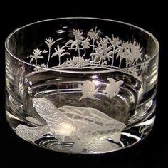 This stunningly elegant Sea Turtle Bowl by Evergreen Crystal features the intricately detailed image of a sea turtle swimming through the tropical waters off an island covered with tall palm trees. Sea Turtle Bowl, Turtle Love, Baby Sea Turtles, Turtle Swimming, Turtle Gifts, Crystal Glassware, Crystal Vase, African Cichlids, Tortoises