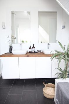 Badezimmer selbst renovieren: vorher/nachher Remodeling your own bathroom is super easy! Here you can find tips and before pictures. Make a bathroom refurbish beautify. bathroom-remodel-before and after Attic Bathroom, Diy Bathroom Remodel, Diy Bathroom Decor, Bathroom Renovations, Bathroom Interior, Home Renovation, Small Bathroom, Kitchen Remodel, Bathroom Makeovers
