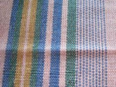 Tissage grain d'orge No 1 Recherche Google, Loom, Dish Towels, Fabrics, Recipes, Weaving Looms, Weaving Patterns, Embroidery, Weaving Projects