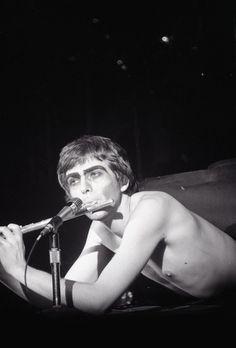 Peter gabriel, 1975