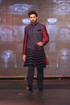 Abhishek Bachchan at the trailer launch of 'Happy New Year'. #Bollywood #Fashion #Style #Handsome