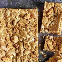 Try our custard cream blondies recipe. These blondies are white chocolate brownies with classic custard cream biscuits. Easy to make blonde brownies recipe Tray Bake Recipes, Brownie Recipes, Baking Recipes, Cake Recipes, Caramel Recipes, Blonde Brownies, Chocolate Brownies, Steak Salat, Cream Biscuits