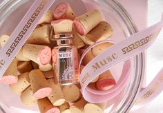 Precious essence Musc Gold in Corks #essence #muscgold #brunoacamporaprofumi #corks