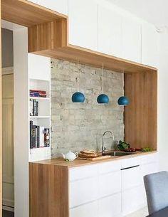 Lamper  Ett kjøkken, tjuetre meter benkeplate