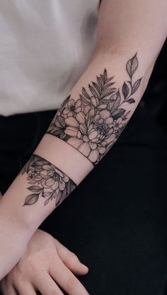 We are feeling the spring vibes with this romantic floral tattoo by Dope Tattoos, Pretty Tattoos, Forearm Tattoos, Mini Tattoos, Arm Band Tattoo, Body Art Tattoos, Small Tattoos, Tattoos For Guys, Tattoos On Scars
